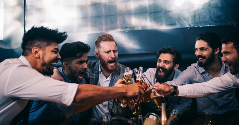 Partybus Essen für JGA und Junggesellenabschied mieten